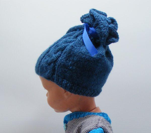 Bonnet bleu à ruban