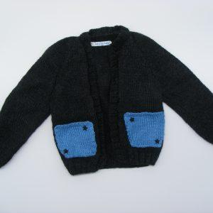 Gilet noir avec ses poches bleues